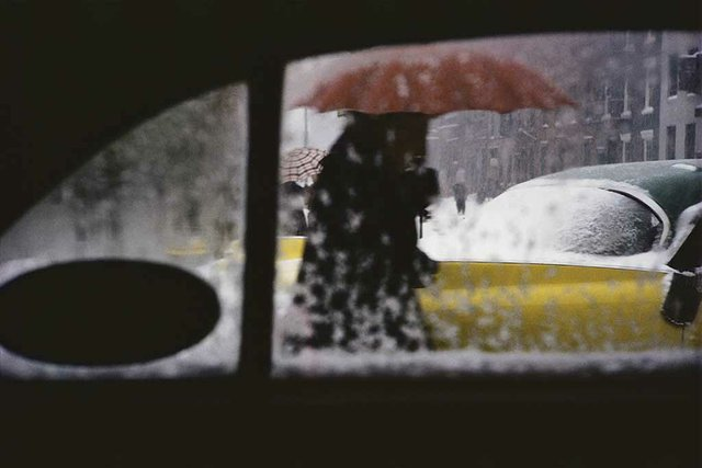 Saul Leiter, Red Umbrella, c.1955. ©Saul Leiter Foundation