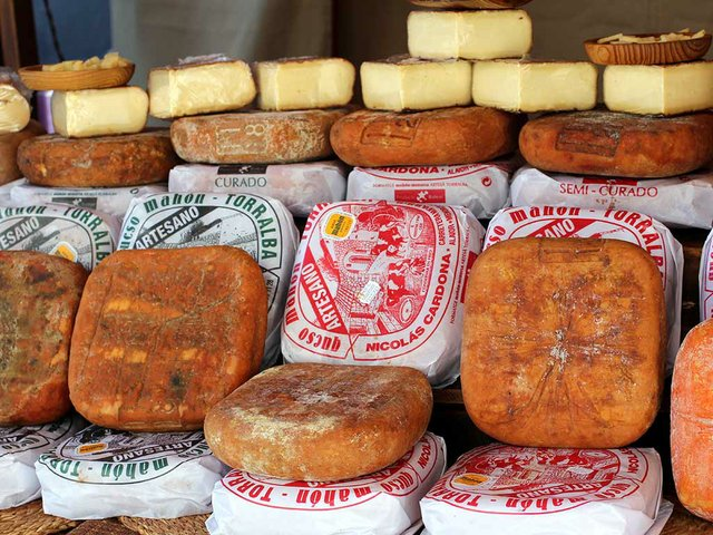 260.-Food-feature-cheese-Manuel-Martin-Vicente.jpg