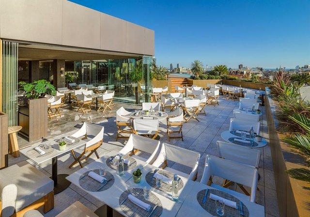Terraza-Restaurante-Mood-al-atardecer-2.jpg