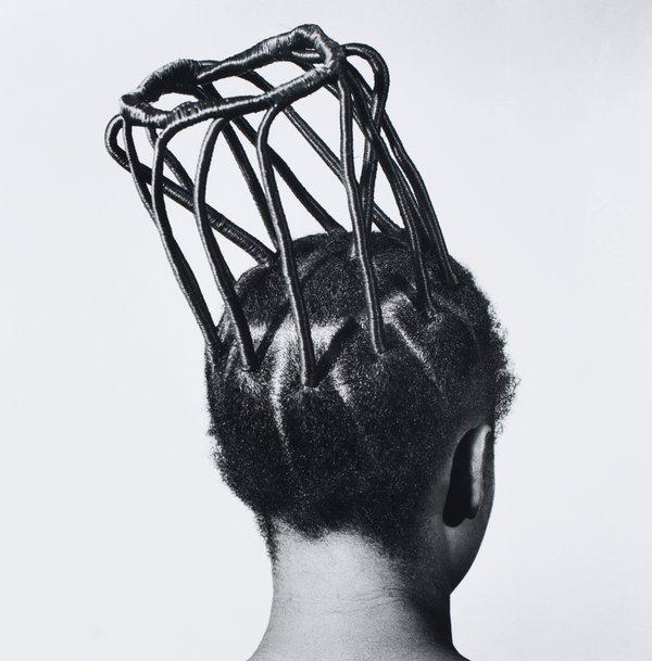 © J.D. 'Okhai Ojeikere, Sin título [Peinados], 1970-79_557.jpg