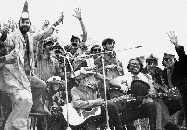 Grup-de-Folk-a-La-Ciutadella-juny-1968-2.jpg_356955165.jpg