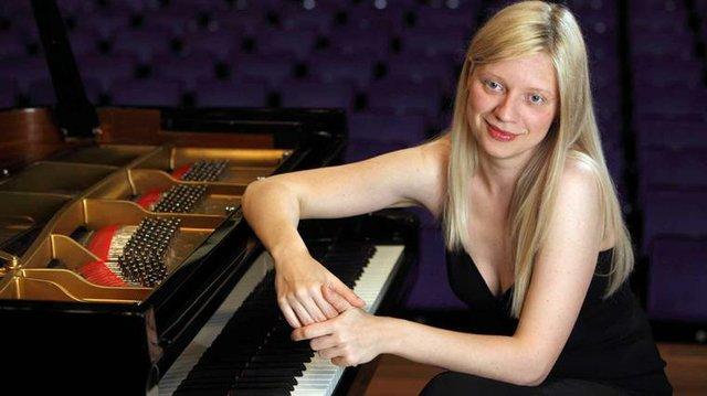 Valentina Lisitsa, piano.jpg