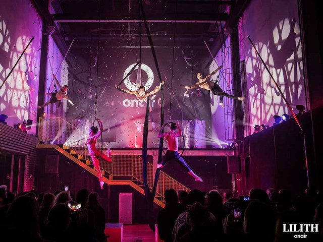 Onair-Acrobatics-02.jpg