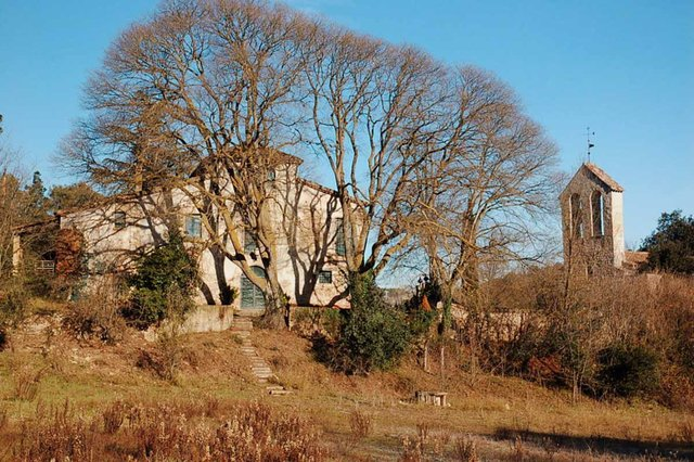 Ermita-de-Sant-Iscle-de-les-Feixes-02.jpg