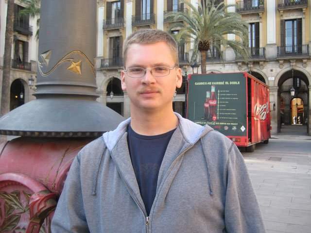 Ryan Paine; USA; in Barcelona—3 years