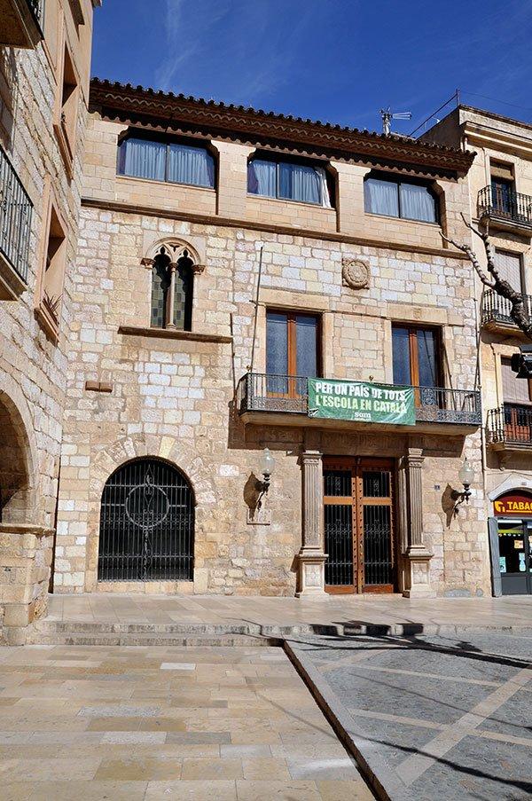 Casa-de-la-Vila-Ajuntament-2--18-3-14-photo-by-Jordi-Contijoch-Boada,-Jordi,-courtesy-of-the-Generalitat-de-Catalunya.jpg