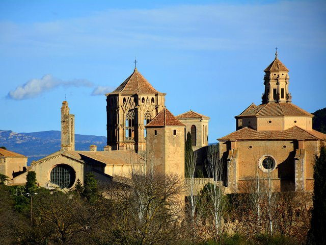 Monestir-de-Santa-Maria-de-Poblet-Photo-by-Angela-Llop-Flickr-02.jpg