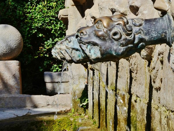 Font_de_les_Canelles_(Santa_Coloma_de_Queralt)_-_11-MARIA-ROSA-FERRE-✿-wikimedia.jpg