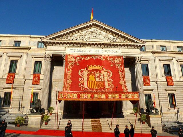 Congreso_de_los_Diputados_gala-photo-courtesy-of-Congress-of-Deputies-wikimedia.jpg