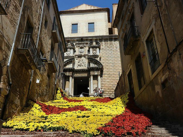 Girona-Temps-de-Flors-Photo-by-Joan-(Flickr)-03---.jpg