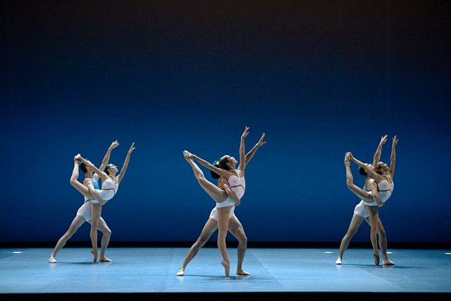 Les Grands Ballets Canadiens de Montréal.jpg