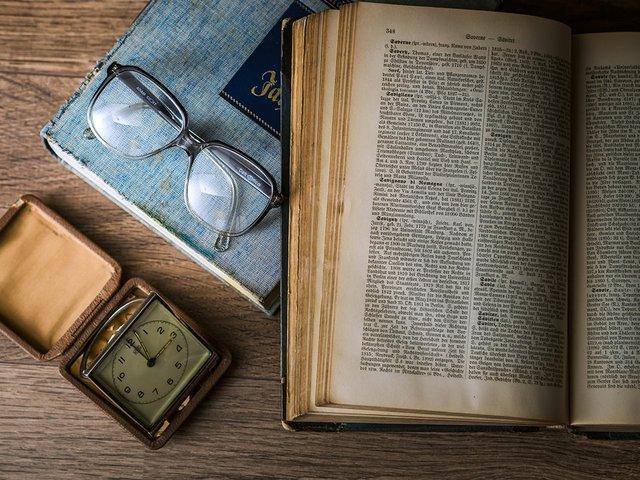 books-glasses-clock.jpg