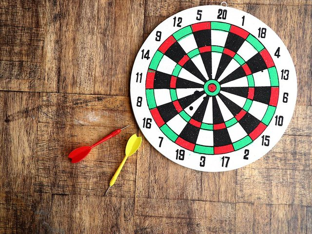 dart-board-with-arrows(1).jpg