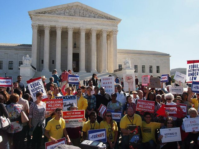 the-Gerrymandering-Rally-at-the-Supreme-Court-_Slowking4--October-3,-2017-(GFDL-v1.2).jpg