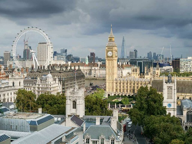 Palace_of_Westminster_from_the_dome_on_Methodist_Central_Hall-©-User-Colin-Wikimedia-Commons.jpg