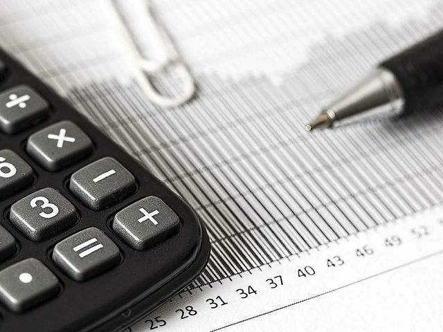 calculator-1680905_1920.jpg