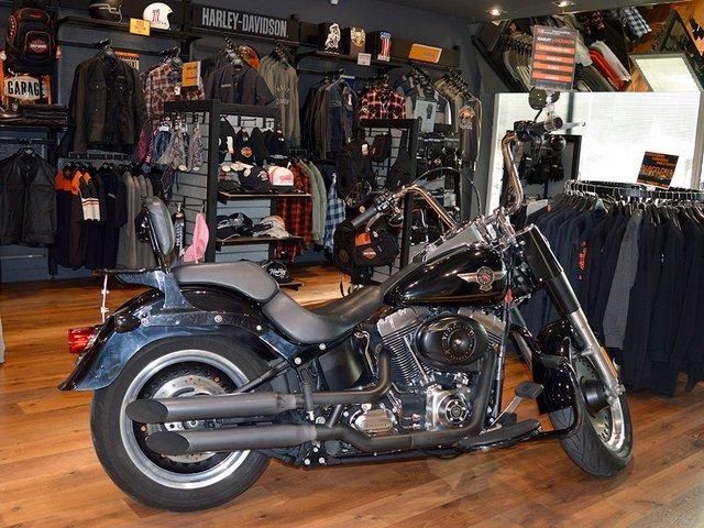 Harley-Davidson-00.jpg