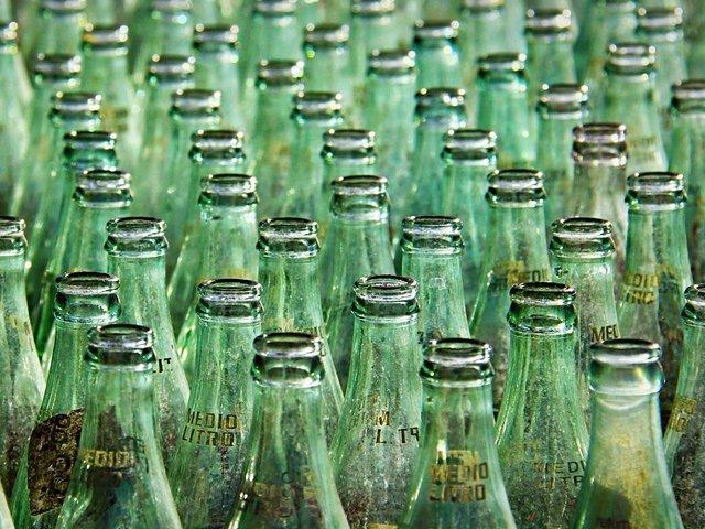bottle-3586888_1920.jpg
