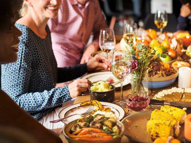 friends-celebrate-thanksigiving.jpg