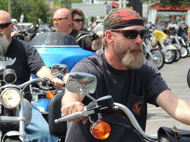 motorcycle-2381680_1920.jpg