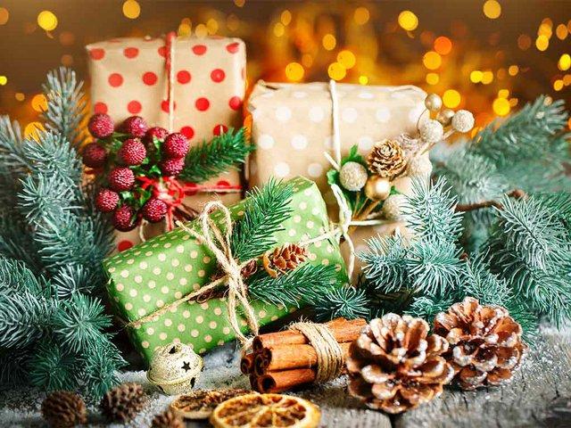 christmas-gift-christmas-tree-dark-wooden-background.jpg