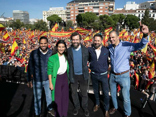 VOX-celebrates-Colombus-Day-in-Madrid,-Oct-26,-2019,-photo-by-Vox-España-(PD)-01.jpg