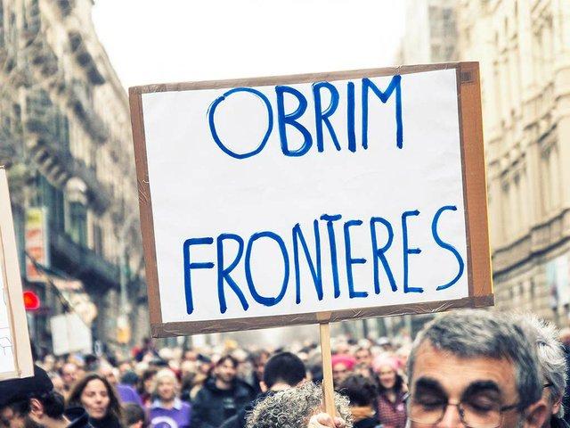 Refigees-welcome,-protest--'Volem-acollir'-Feb-2017-photo-by-the-Ajuntamet-de-Barcelona-(CC-BY-ND-2.0)-01.jpg