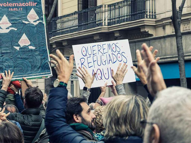 Refigees-welcome,-protest--'Volem-acollir'-Feb-2017-photo-by-the-Ajuntamet-de-Barcelona-(CC-BY-ND-2.0)-03.jpg