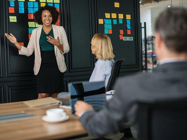 brainstorming-businesswomen-colleagues-1093913.jpg