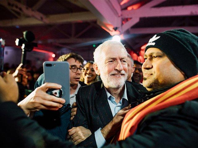 Jeremy-Corbyn-at-a-rally-in-Birmingham,-Dec-5,-2019-(CC-BY-2.0)-01.jpg