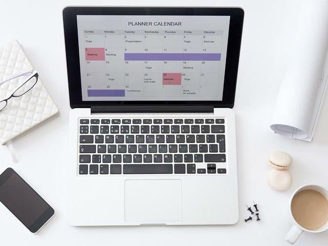 high-angle-view-image-desk-planner-calendar-laptop.jpg