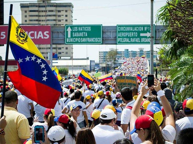 Marcha-hacia-el-Palacio-de-Justicia-de-Maracaibo,-Venezuela,-Feb-18,-2014-photo-by-María-Alejandra-Mora.jpg