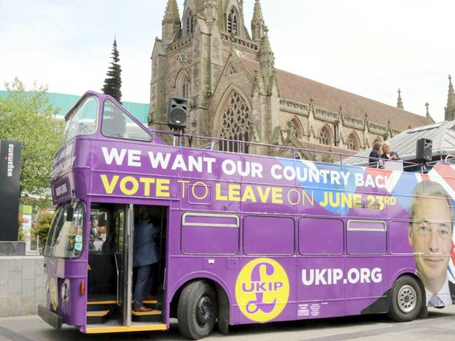 UKIP-BUS--©-Copyright-Derek-Bennett-and-licensed-for-reuse-under-this-Creative-Commons-Licence.jpg