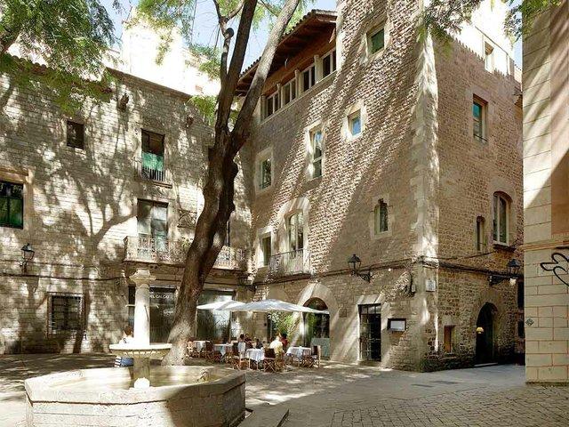 Sant_Felip_Neri_Square-web.jpg