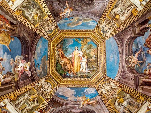 painting-fresco-ceilings-vatican-museum.jpg