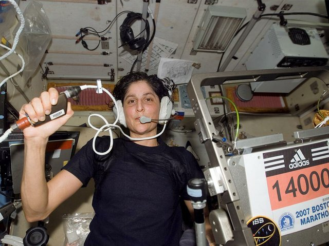 Astronaut-Sunita-L-Williams,-Expedition-14-flight-engineer,-circled-Earth-almost-three-times-as-she-participated-in-the-Boston-Marathon-from-space.jpg
