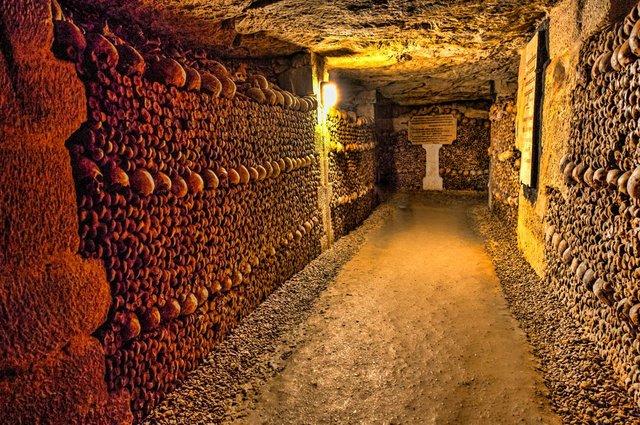 Paris-Catacombs.-smalljpg.jpg