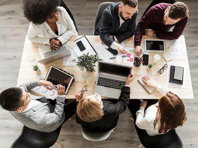 flat-lay-business-people-meeting.jpg