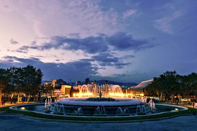 magic-fountain-sunset-barcelona-spain.jpg