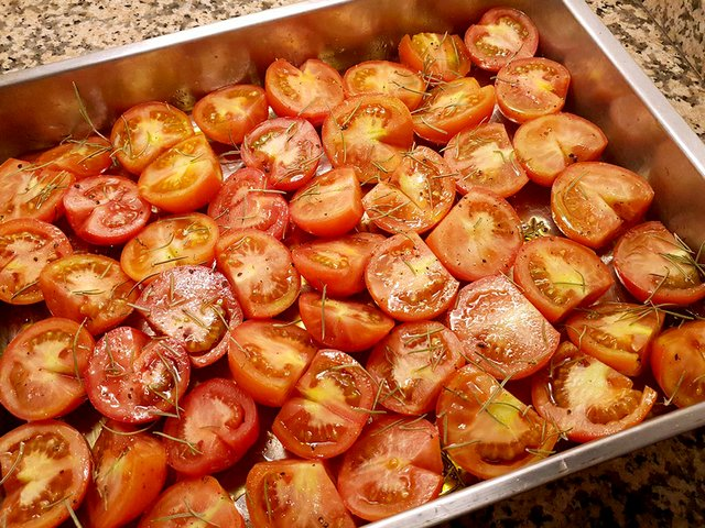 to prepare slow roasted tomatoes.jpg