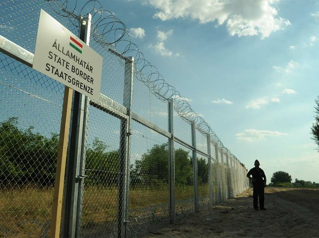 Hungarian-Serbian-border-Photo-by-Délmagyarország-Schmidt-Andrea-(CC-BY-SA-3.0).jpg