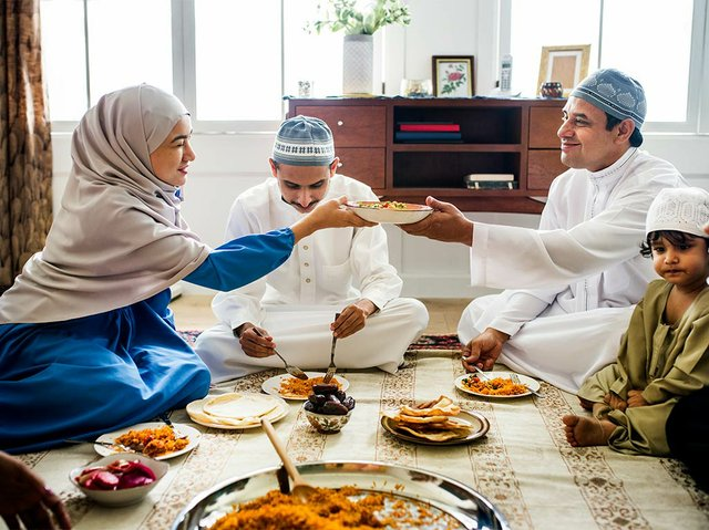 muslim-family-having-dinner-floor.jpg