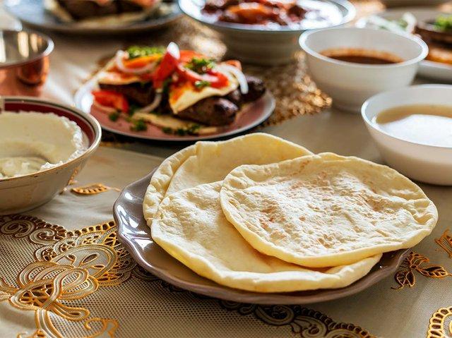 delicious-food-ramadan-feast.jpg