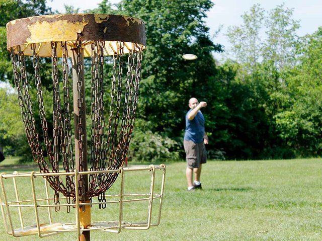 disc-golf-1563853_1920.jpg