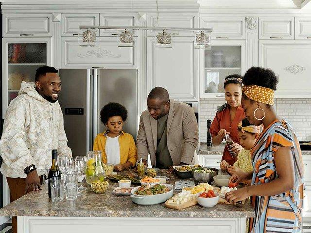 family-preparing-food-in-the-kitchen-4262002.jpg
