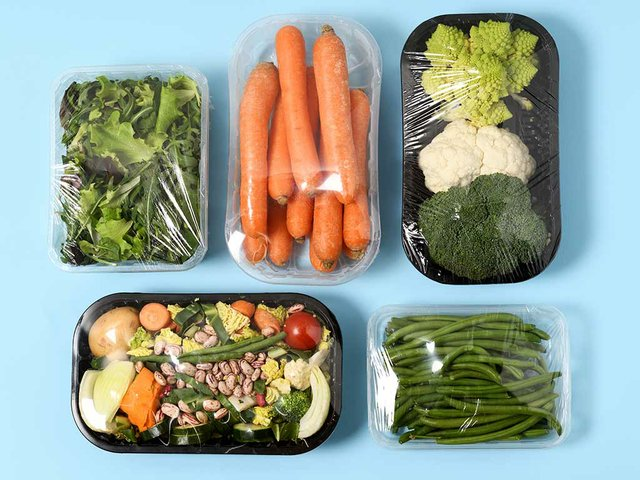 plastic-packages-with-vegetables.jpg