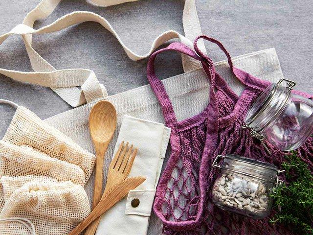 mesh-bag-cotton-bags-glass-jars.jpg