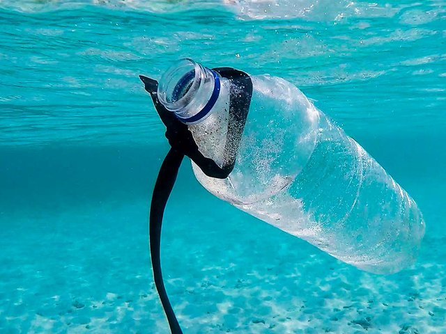 plastic-bottle-in-ocean.jpg