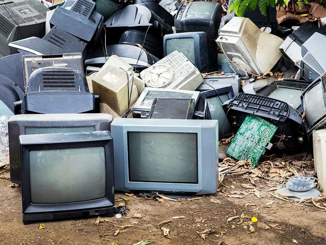 mornitor-television-electronic-waste.jpg