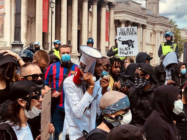 BLM-protest-in-fron-of-National-Gallery-London.jpg